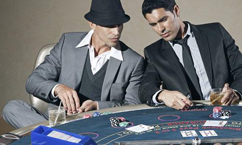 Pokeritapaamisten-opastus-parasta-musiikkia-pokeri-iltaan-ystävien-kanssa-Musiikki-pokeriotteluissa