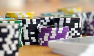 Pokeritapaamisten opastus parasta musiikkia pokeri iltaan ystävien kanssa Pokerin monimutkaisuus 300x180 - Pokeritapaamisten-opastus-parasta-musiikkia-pokeri-iltaan-ystävien-kanssa-Pokerin-monimutkaisuus